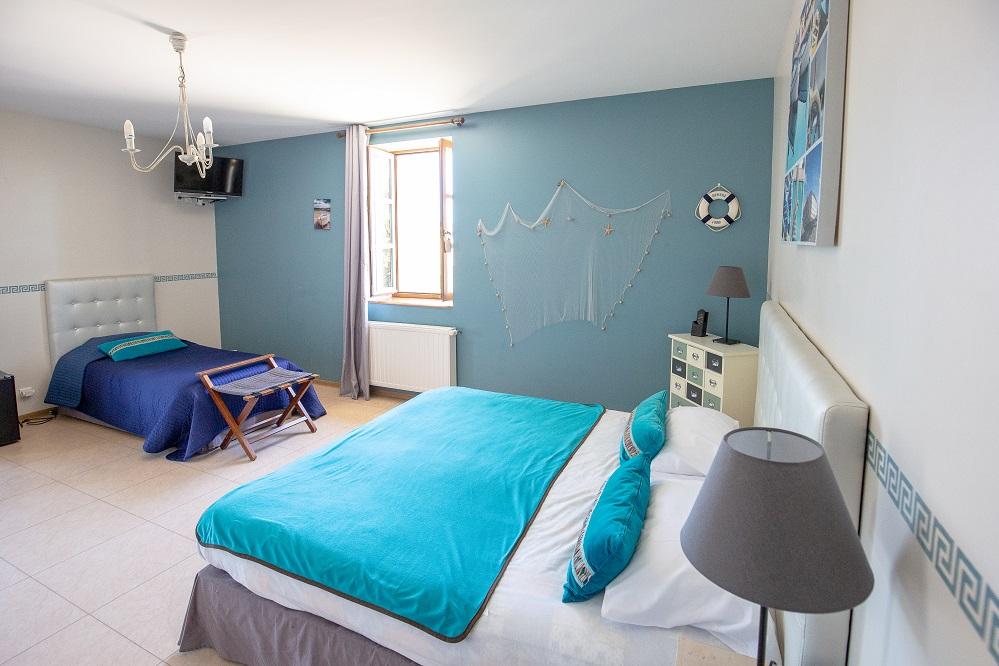 Chambre bleue le Castagné