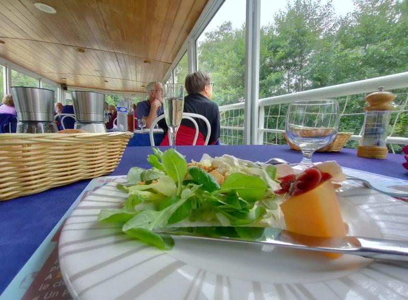 Déjeuner au fil de la Baïse