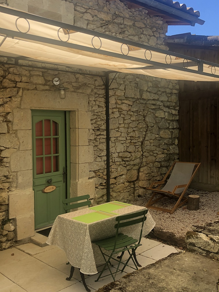 La Vigne et le Lierre – Chambre Porthos terrasse