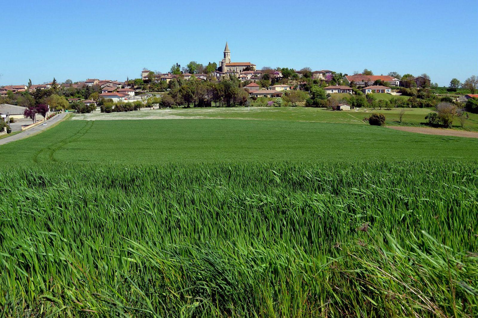 Vue sur village Montaut-les-Créneaux