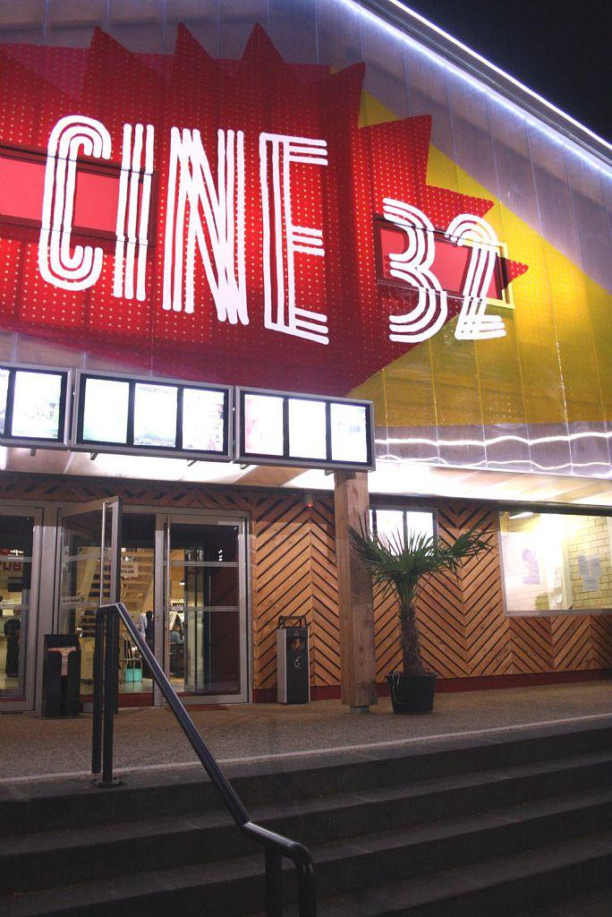 CINE 32