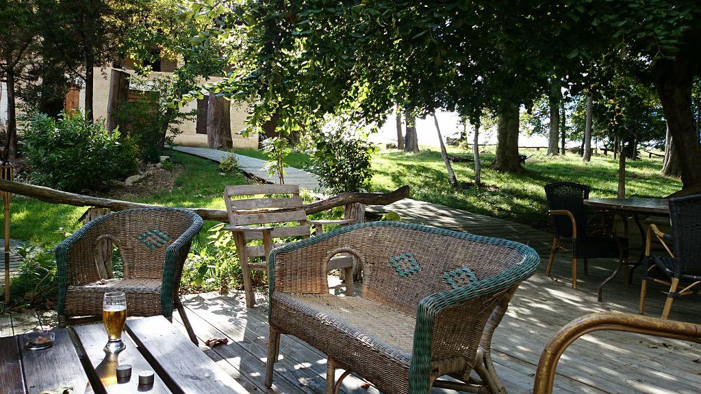 Le Maska  salon terrasse en été