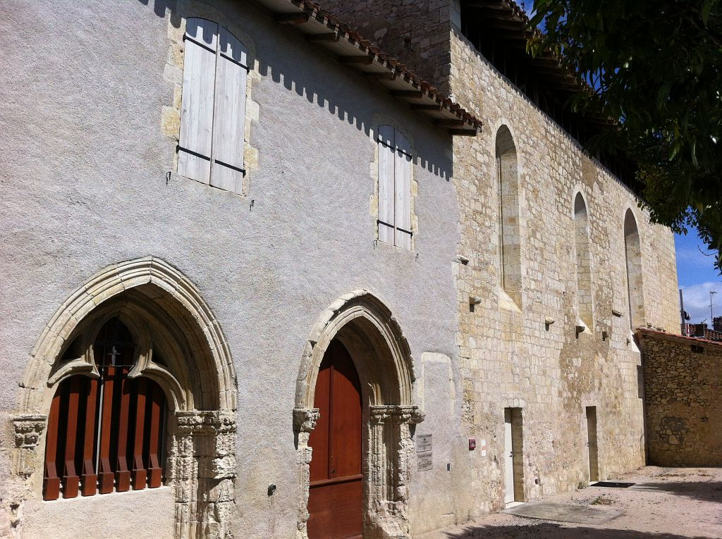 Pavie Bourg église