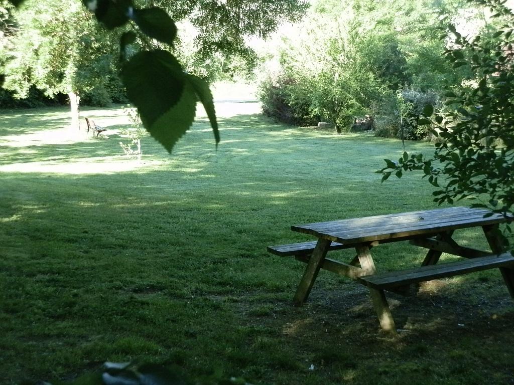 Jardin Vassevin (table de pique-nique)