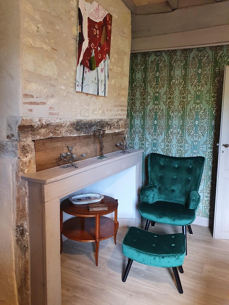 chambre à l'étage – fauteuil