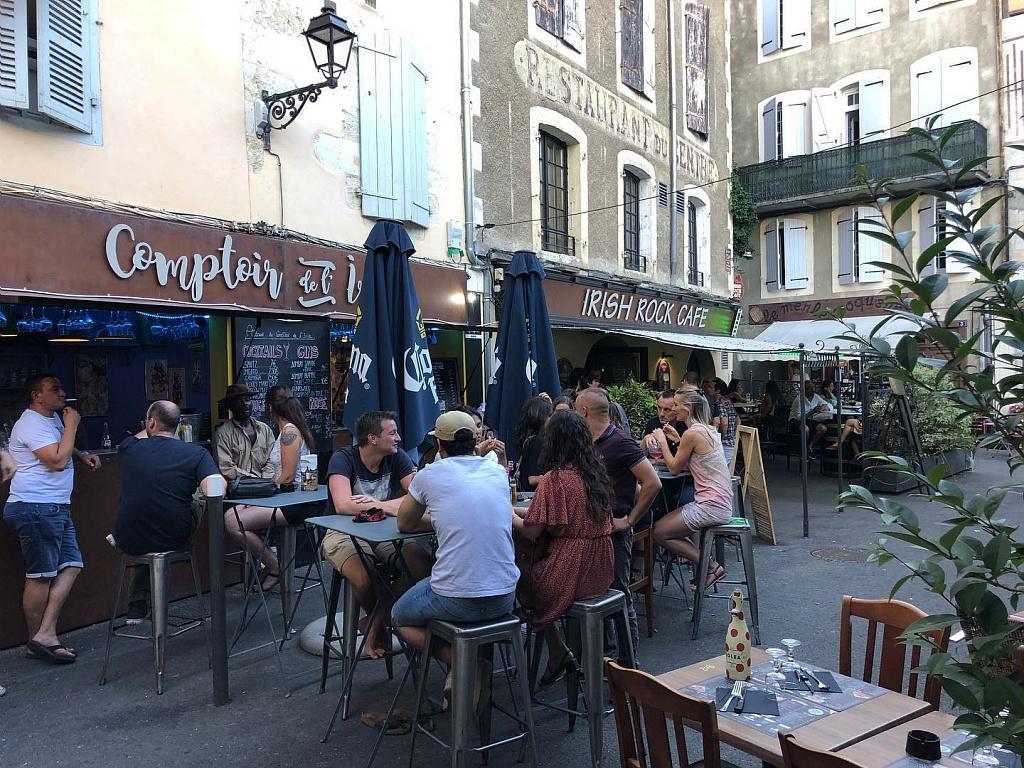 Terraza café bar irlandés